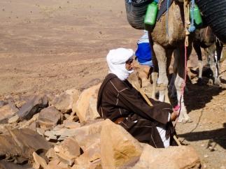 Huseín descansando en el Jbel Bani