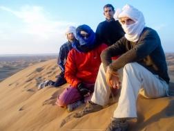 El equipo sobre la duna
