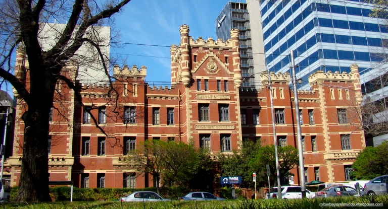 Backpacker The Mansion, nuestro centro de operaciones (Melbourne)