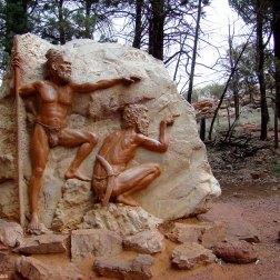 Escultura de aborígenes - Wilpena Pound (Australia)