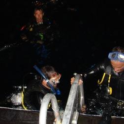 Subiendo al barco - Kangaroo Explorer (Australia)