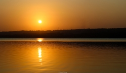 Puesta de sol en el lago Quissico (Mozambique)