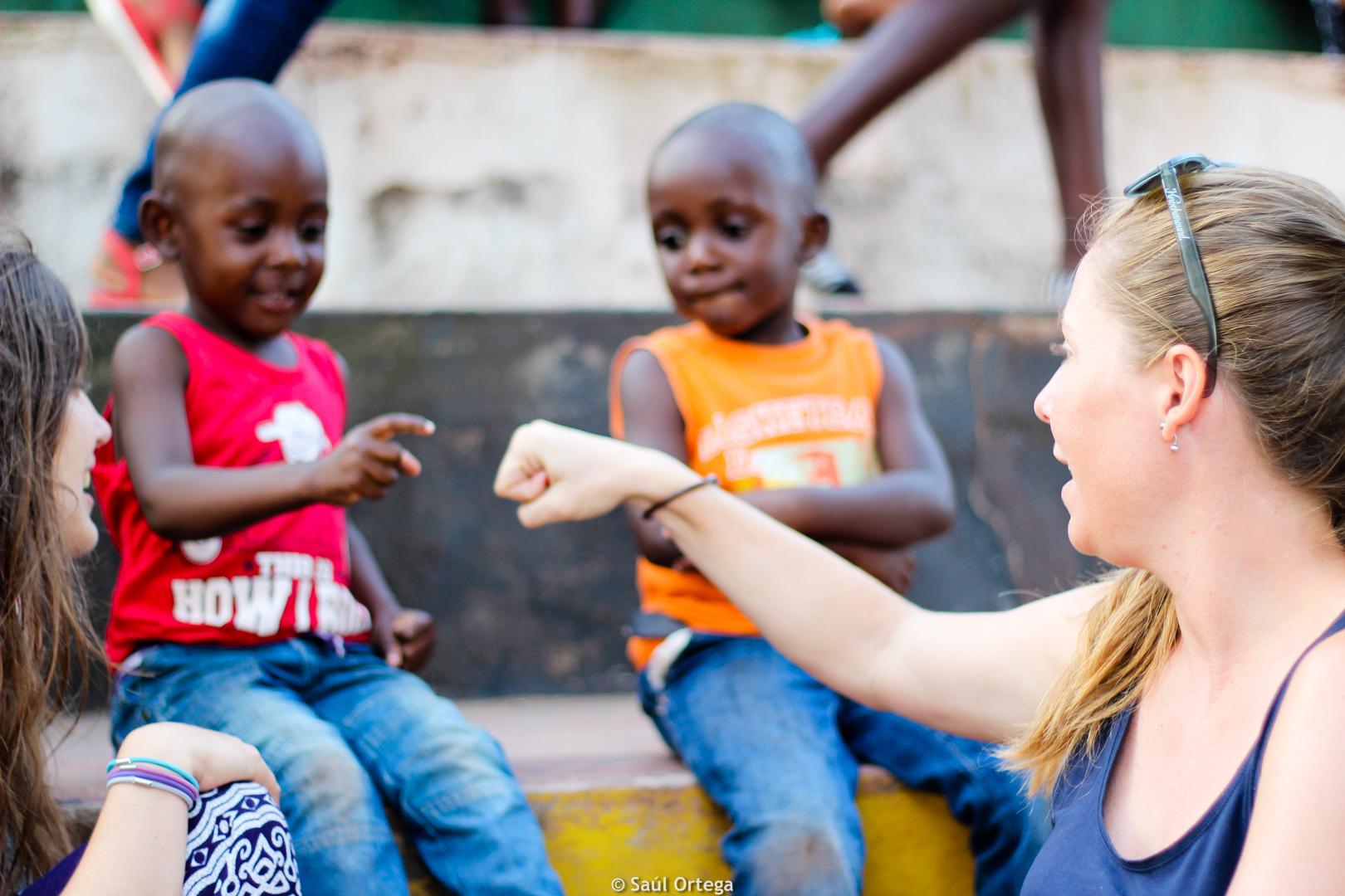 Niños simpáticos en el festival - Quissico (Mozambique)