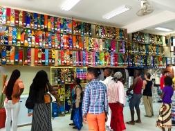 Tienda de capulanas en Maxixe (Mozambique)
