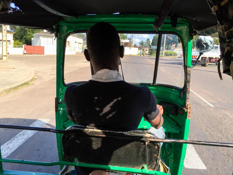 Viajando en chopela - Inhambane (Mozambique)