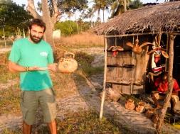 MI barba con una cocoradio - Mozambique
