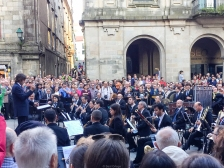 Gente cantando la Rianxeira