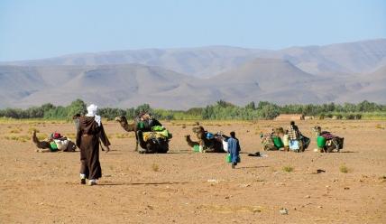 Repostaje de agua - Valle del Draa (Marruecos)