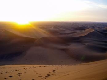 Amanecer en el desierto del Sáhara