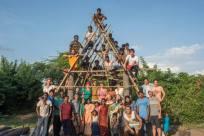 Foto de familia con los voluntarios mexicanos, los coordinadores de VACA, Care Foundation y la gente de la comunidad.