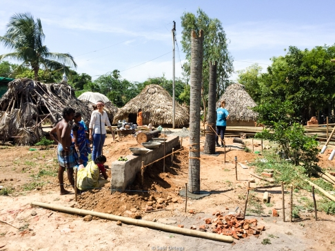 El avance en la construcción de las casas es lento en el día a día
