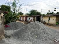 El polvo de piedra para hacer la mezcla de cemento