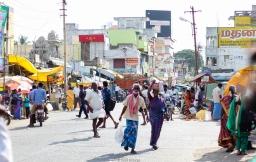 Las calles de Uthiramerur siempre están llenas de gente
