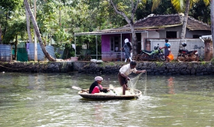 Pescador en Alappuzha - Kerala - India